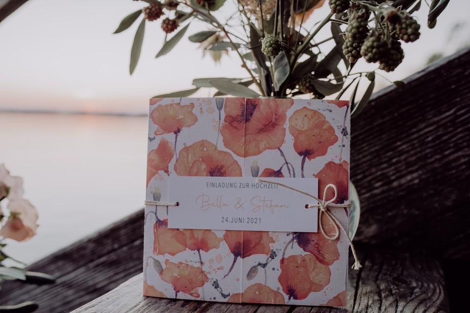Einladungskarte im Blumendesign
