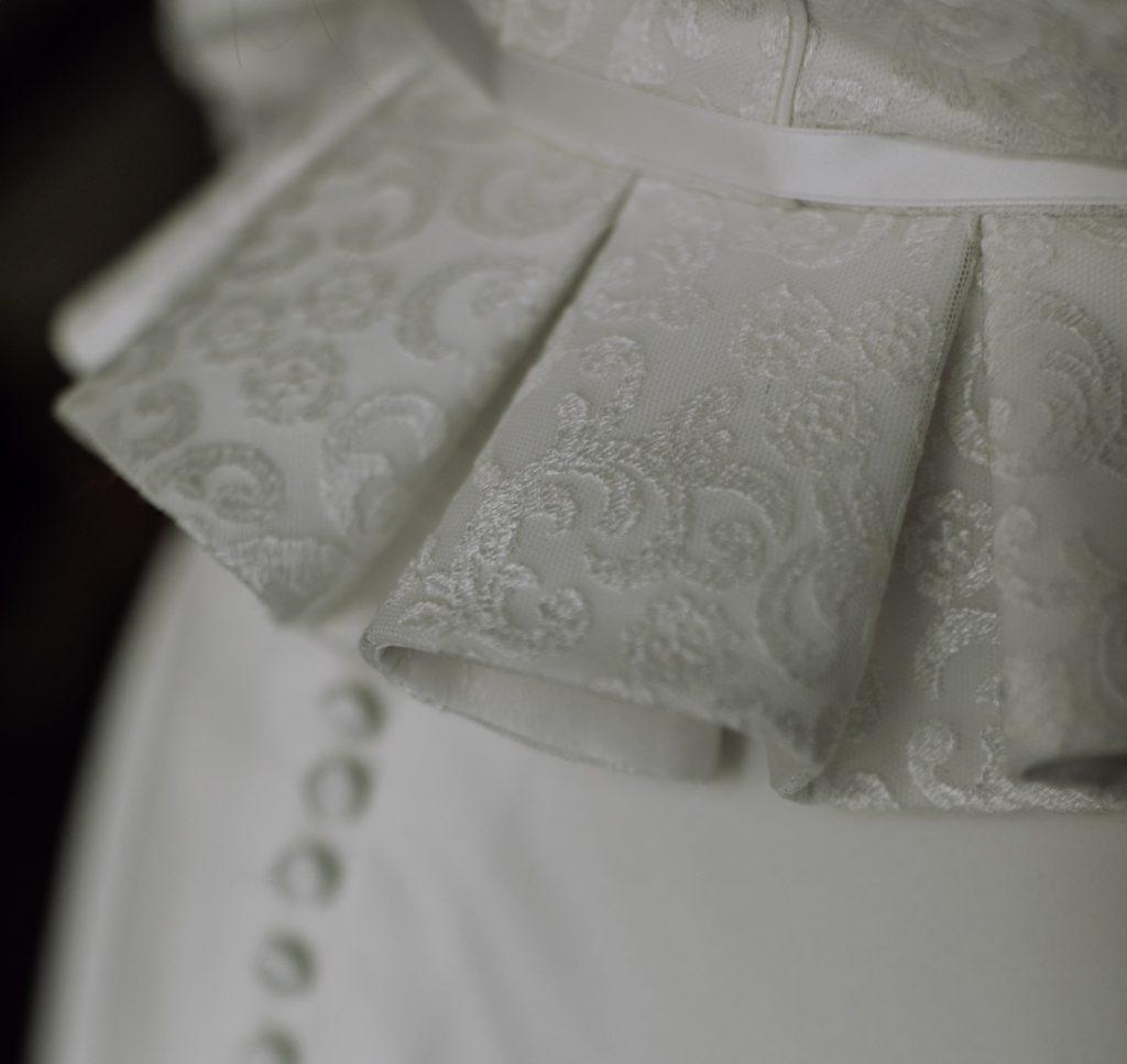 Stoffmuster für ein Brautkleid von Trachten Brückner