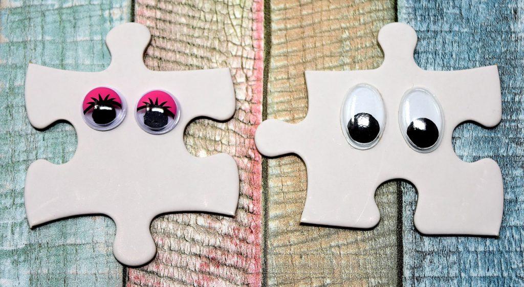 Zwei Puzzlestücke